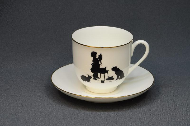Чашка с блюдцем кофейная Силуэты. Помощница. ИФЗ, г.Санкт-Петербург
