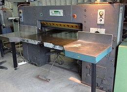 Бумагорезальная машина ADAST MAXIMA 115, 1991, с 2 боковыми столами, цифровая панель
