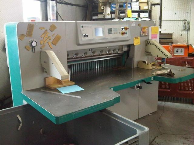 Бумагорезальная машина PERFECTA 115 UC 2001 год большие столы