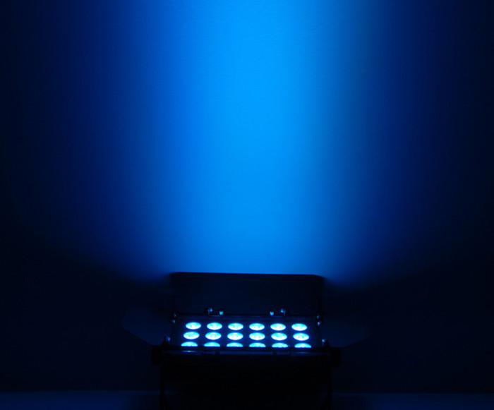 CHAUVET-DJ Slim Bank TRI 18