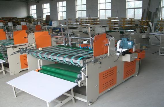 Фальце-склеивающая машина полу-автомат – GLUER-1500