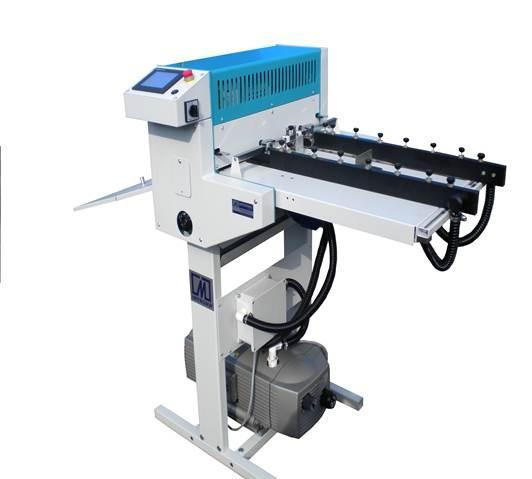 Машинка для автоматической перфорации календарей с вакуумным самонакладом Introma CreasePuncher 500