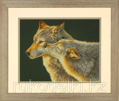 """Набор для вышивания крестом """"Поцелуй волков"""""""