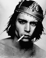 Johnny Depp — Стильная мужская футболка!