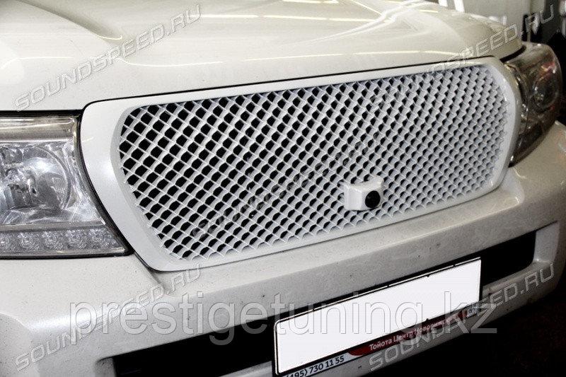 Решетка на LC200 2008-15 Bentley style