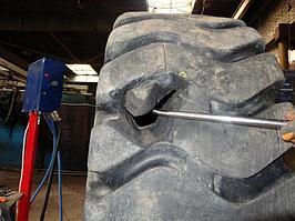 Ремонт крупногабаритной шины от погрузчика 2