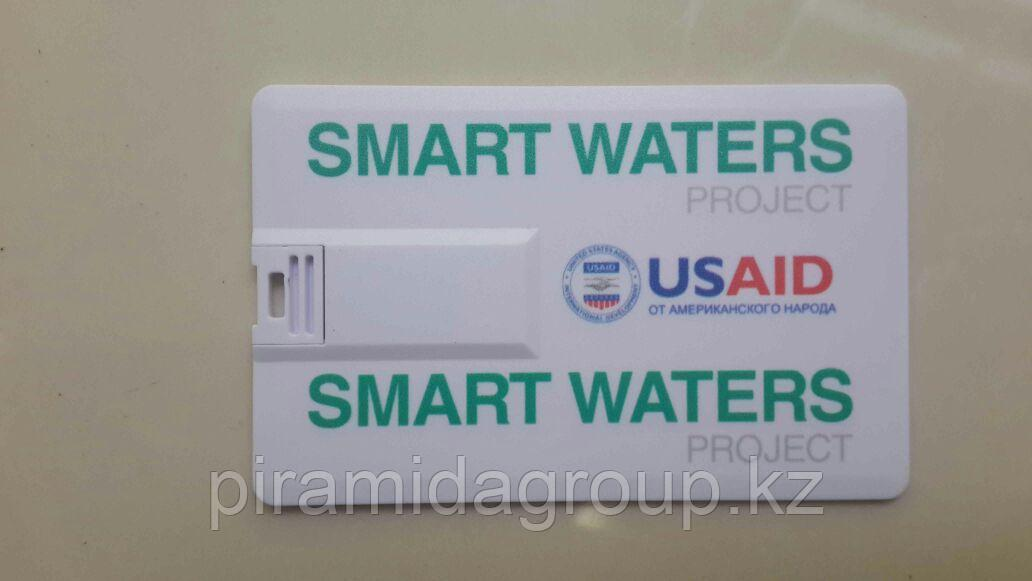 Нанесение логотипов на флешки-визитки по индивидуальному заказу