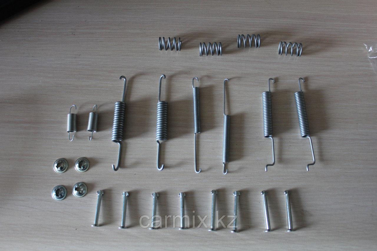 Ремкомплект задних тормозных колодок HIACE