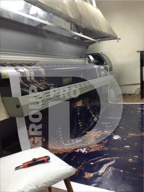 1. Печать на баннере. Мы имеем собственное оборудование, поэтому предлагаем низкие цены, высокое качество и скорость.