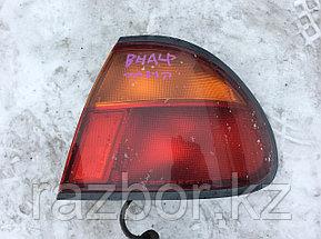 Фонарь задний правый Mazda Familia/323 1994-1996