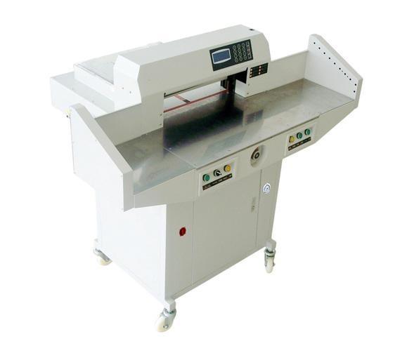 Boway BW-R670V - гидравлическая бумагорезальная машина