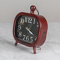 Красные настольные часы  Red Clock To Be Put