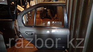 Дверь правая задняя Nissan Primera (11)