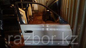 Дверь правая передняя Toyota Caldina (ST210)