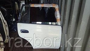 Дверь правая задняя Toyota Caldina ET196