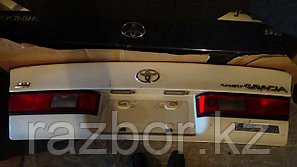 Крышка багажника Toyota Camry Gracia