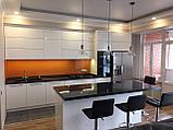 Кухня с белыми фасадами (фурнитура Blum), фото 2