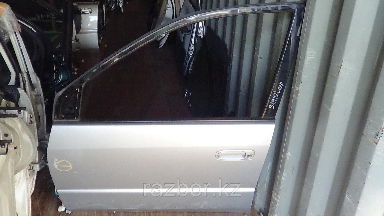 Дверь левая передняя Toyota Ipsum