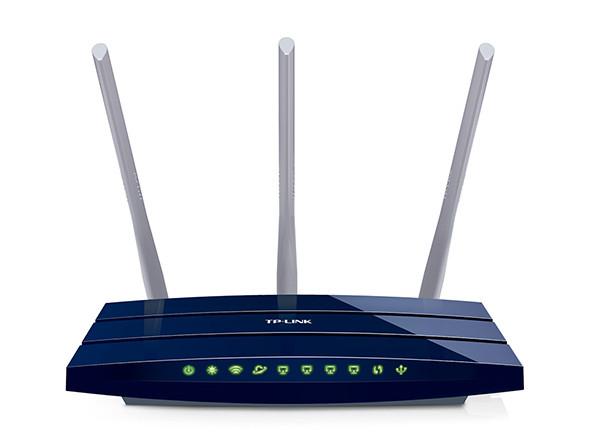 Скорость беспроводного соединения до 450 Мбит/с и гигабитные порты Ethernet - идеальный вариант для просмотра