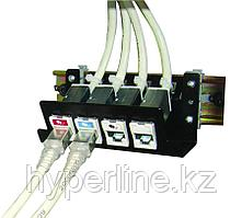 Siemon DIN-PNL-04-01 Патч-панель на 4 модуля Z-MAX или прямых модуля MAX для установки на DIN-рейку, черная