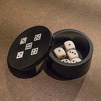 Круглая шкатулка с 5 игральными костями Resin Round Box With 5 Dices