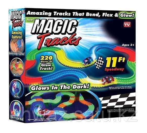 Гоночный трек Magic Tracks 220 деталей с 2 машинками