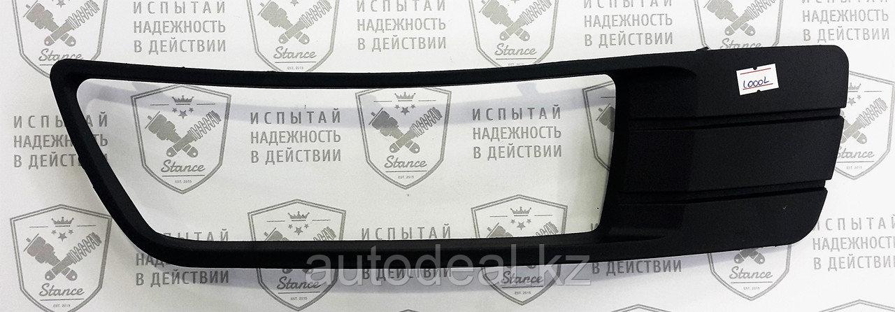 Рамка ПТФ правая Geely ЕС7 / Fog lights frame right side