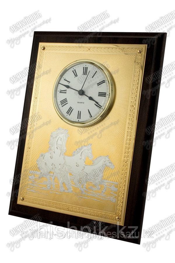 Часы-панно с лошадьми