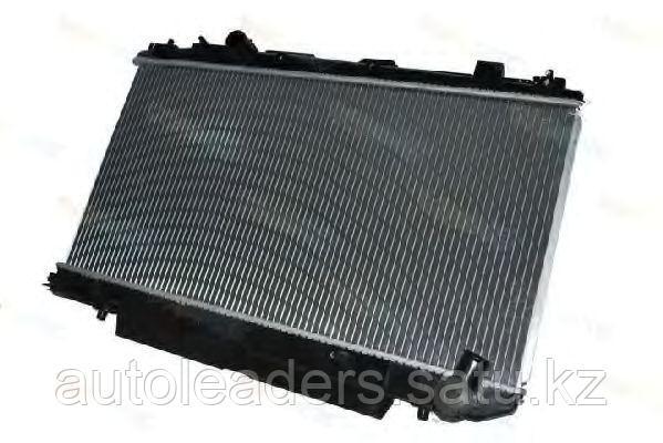 Радиатор на  Rav 4 2000-2004 объем 2, 0 дизель