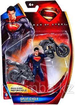 Фигурка Superman с мотоциклом