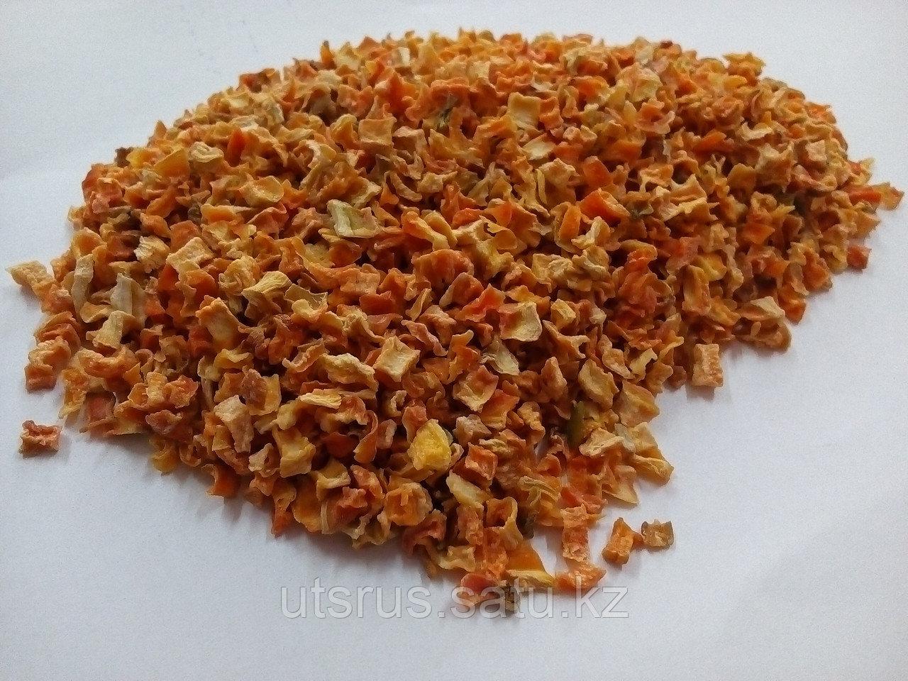 Морковь сушенная - фото 1