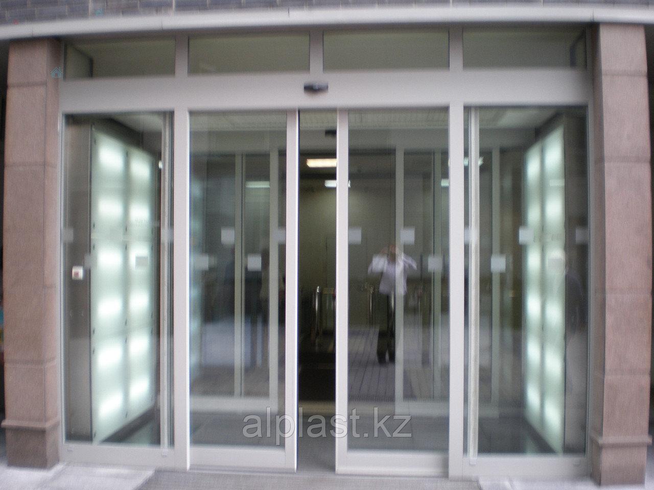 Стеклянные автоматические двери
