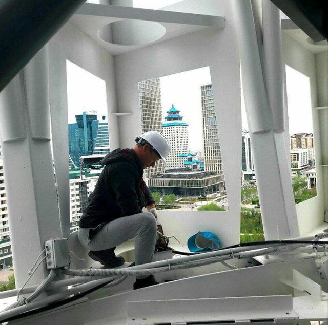 Монтаж архитектурной подсветки на монументе Байтерек 2017 год 45