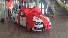 Подарочное оформление главного приза авто машины  6