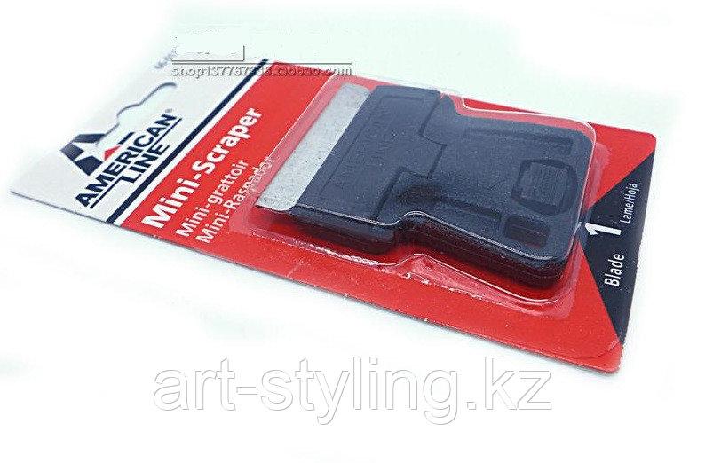 Пластмассовый скребок-держатель для металлических лезвий, 4см.