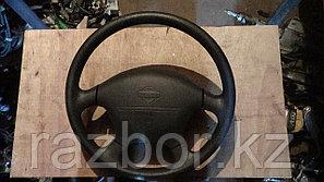 Рулевое колесо Nissan Bluebird / SRS