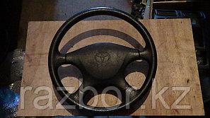 Рулевое колесо Toyota Corona