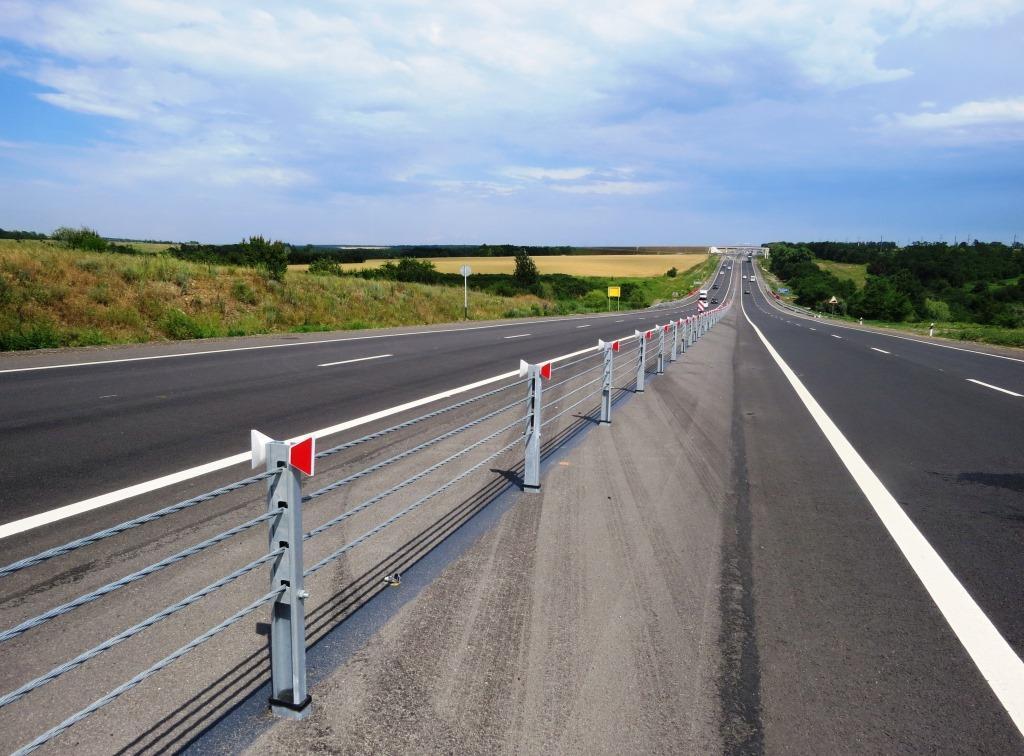 Тросовое дорожное ограждение (ТДО)