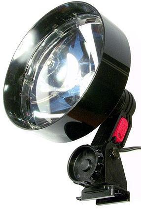 Фонарь-прожектор LIGHTFORCE NIGHTHUNTER-140 (12V) 250.000cd (дальность: 450м-1 Lux) R34831
