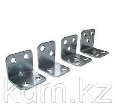 Крепежный уголок мебельный KUM 30*30*30*1,5 (300шт)