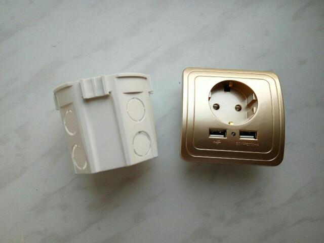 розетка c USB портами