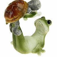 "Сувенир - миниатюра ""Лягушонок с черепашкой на зарядке"", 6 см × 5 см × 6,5 см, фото 1"