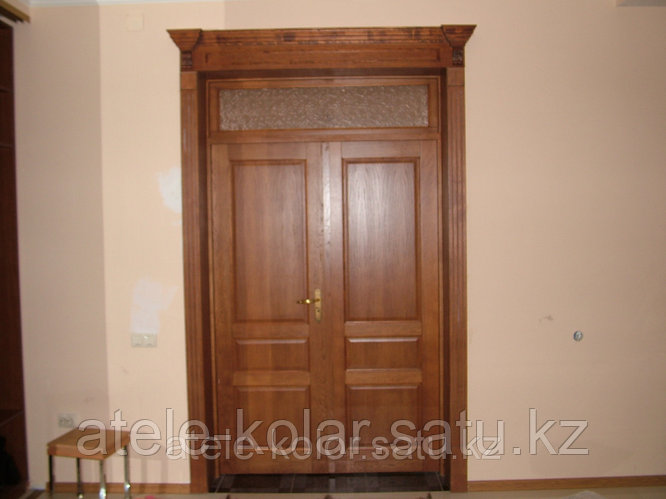 Двухстворчатая межкомнатная дверь с кроной