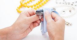 Как почистить серебряные украшения в домашних условиях