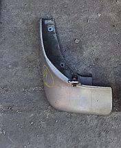 Брызговик задний левый Mazda Capella/626