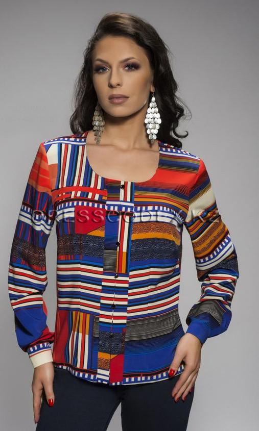Блузка с геометрическим узором