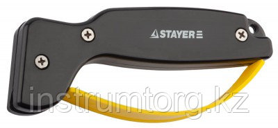 """Точилка STAYER """"MASTER"""" универсальная, для ножей, с защитой руки, рабочая часть из карбида"""