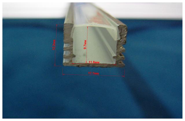 Профиль алюминиевый П-типа с матовым рассеивателем 17,7 х 12,2 мм