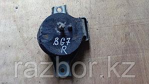 Подушка под двигатель Subaru Legacy (BG7) / правая