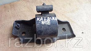 Подушка под КПП Toyota Caldina (ST195)